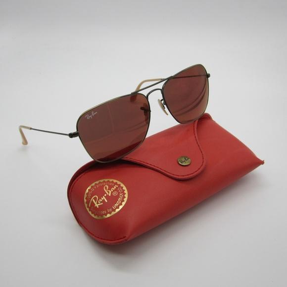 0bed6c549b3 RayBan Caravan RB3136 Sunglasses STL624. M 5af206a05512fd4e4be3659c